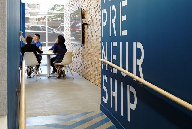 Entrepreneurs at work in the eLab